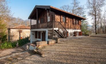 Casa indipendente con giardino vicinanze Rocchetta Mattei